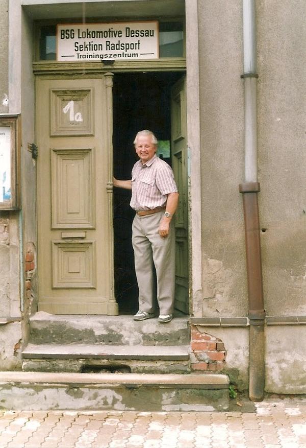 Eingang altes Vereinshaus